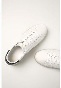Białe sneakersy Armani Exchange z cholewką, na sznurówki
