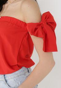 Born2be - Czerwona Bluzka Paphis. Kolor: czerwony