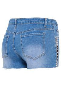 Niebieskie jeansy bonprix z aplikacjami, na lato