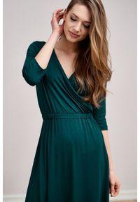 Marie Zélie - Sukienka Rita butelkowa zieleń mikromodal. Typ kołnierza: dekolt kopertowy. Materiał: wiskoza, dzianina, elastan, włókno, skóra. Długość rękawa: krótki rękaw. Typ sukienki: proste, kopertowe #5