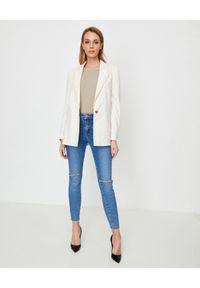 Manila Grace - MANILA GRACE - Oversizeowa marynarka ecru. Okazja: na co dzień. Kolor: biały. Materiał: tkanina, materiał, jeans. Styl: casual