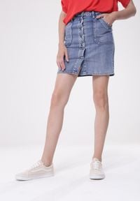 Born2be - Jasnoniebieska Spódnica Very Well To Do. Kolor: niebieski. Materiał: jeans. Sezon: jesień, zima