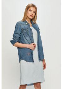 Wrangler - Koszula jeansowa. Kolor: niebieski. Materiał: jeans. Wzór: haft