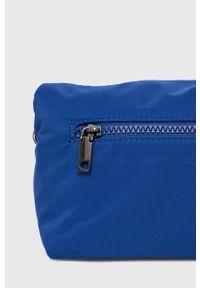 Desigual - Torebka. Kolor: niebieski. Wzór: haft. Dodatki: z haftem. Rodzaj torebki: na ramię