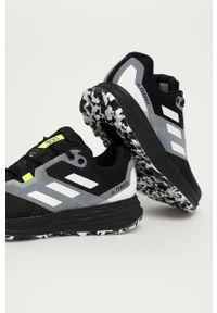 Czarne buty trekkingowe adidas Performance na sznurówki, z okrągłym noskiem, z cholewką