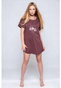Sensis - Koszula piżamowa Mystique. Kolor: fioletowy. Długość: krótkie. Wzór: nadruk