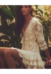 HEMANT & NANDITA - Biała sukienka Veda. Kolor: biały. Materiał: wiskoza. Długość rękawa: długi rękaw. Wzór: gładki. Długość: mini