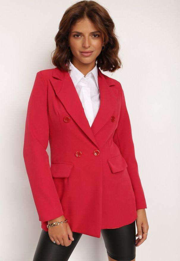 Renee - Czerwona Marynarka Cileia. Kolor: czerwony. Styl: glamour, klasyczny