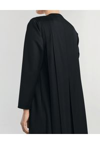 ANIA KUCZYŃSKA - Czarna wełniana sukienka maxi Luna. Kolor: czarny. Materiał: wełna. Wzór: aplikacja. Sezon: lato. Styl: elegancki, retro. Długość: maxi