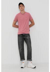 Napapijri - T-shirt bawełniany. Okazja: na co dzień. Kolor: różowy. Materiał: bawełna. Wzór: gładki, aplikacja. Styl: casual
