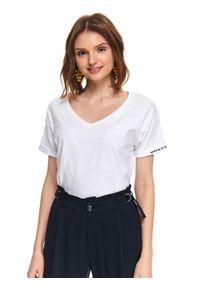 Biały t-shirt TOP SECRET casualowy, w kolorowe wzory, na co dzień