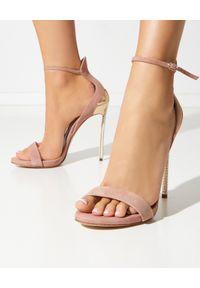 Casadei - CASADEI - Różowe sandały na szpilce Techno Blade Queen. Zapięcie: pasek. Kolor: różowy, wielokolorowy, fioletowy. Materiał: zamsz. Wzór: aplikacja. Obcas: na szpilce. Wysokość obcasa: średni