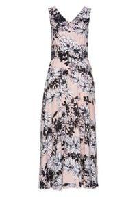 Sukienka maxi bonprix pastelowy jasnoróżowy z nadrukiem. Kolor: różowy. Wzór: nadruk. Długość: maxi