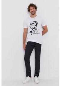 Emporio Armani - T-shirt. Okazja: na co dzień. Kolor: biały. Materiał: dzianina. Wzór: nadruk. Styl: casual