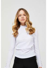 MOODO - Prążkowana bluzka z półgolfem. Typ kołnierza: golf. Materiał: prążkowany. Długość rękawa: długi rękaw. Długość: długie. Wzór: gładki. Styl: klasyczny