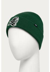 Zielona czapka Vans z aplikacjami