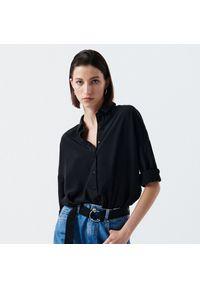 Cropp - Gładka koszula oversize - Czarny. Kolor: czarny. Wzór: gładki