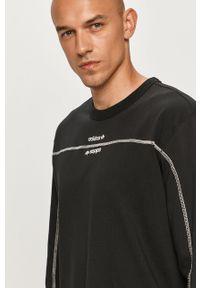 Czarna koszulka z długim rękawem adidas Originals z nadrukiem, z okrągłym kołnierzem