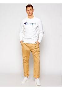 Champion Bluza Script Logo Reverse Weave 215160 Biały Custom Fit. Kolor: biały