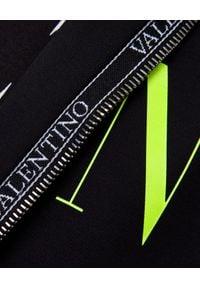 VALENTINO - Czarna rozpinana bluza VLTN. Okazja: na co dzień. Kolor: czarny. Materiał: tkanina, materiał. Wzór: nadruk, aplikacja. Styl: sportowy, casual