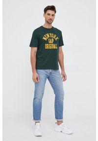 GAP - T-shirt bawełniany. Kolor: zielony. Materiał: bawełna. Wzór: nadruk