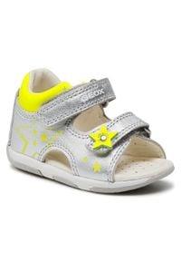 Geox - Sandały GEOX - B S.Tapuz G.A B150YA 0Y2BC C0598 Silver/Fluo Yellow. Kolor: srebrny. Materiał: skóra ekologiczna