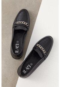 Answear Lab - Mokasyny skórzane. Nosek buta: okrągły. Kolor: czarny. Materiał: skóra. Wzór: gładki. Styl: wakacyjny