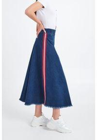 Liu Jo - JEANSOWA SPÓDNICA LIU JO. Materiał: jeans. Styl: klasyczny