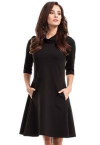 MOE - Czarna Sukienka Trapezowa Dzianinowa z Golfem. Typ kołnierza: golf. Kolor: czarny. Materiał: dzianina. Typ sukienki: trapezowe