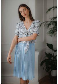 Figl - Niebieska Plisowana Midi Spódnica. Kolor: niebieski. Materiał: poliester, elastan