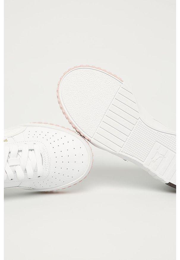 Białe trampki Puma na sznurówki, z okrągłym noskiem, z cholewką