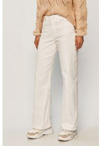 Białe jeansy Jacqueline de Yong z podwyższonym stanem