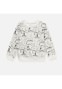 Kremowa bluza Sinsay z nadrukiem