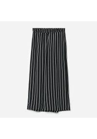 Cropp - Spodnie culotte w paski - Szary. Kolor: szary. Wzór: paski