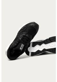 Czarne sneakersy New Balance na sznurówki, z okrągłym noskiem, z cholewką