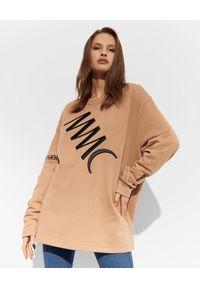 MMC STUDIO - Oversizeowa bluza z logo Label. Kolor: brązowy. Materiał: materiał, bawełna. Długość rękawa: długi rękaw. Długość: długie. Wzór: haft