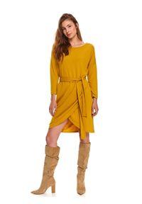 Żółta sukienka TOP SECRET casualowa, na jesień, z dekoltem w łódkę, z długim rękawem