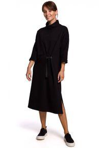 BE - Bawełniana sukienka oversize o prostym kroju. Typ kołnierza: kołnierzyk stójkowy. Materiał: bawełna. Typ sukienki: proste, oversize. Długość: midi