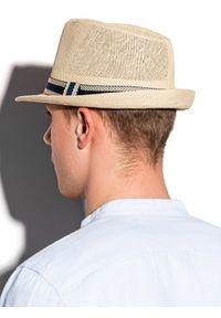 Beżowa czapka Ombre Clothing