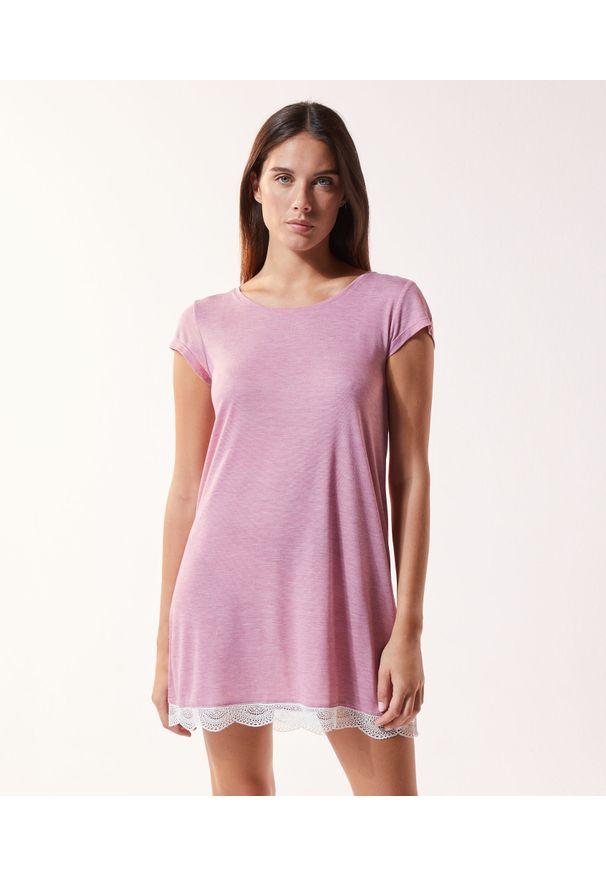 Warm Day Koszula Nocna - S - Petunia - Etam. Materiał: materiał, koronka. Długość: krótkie. Wzór: koronka