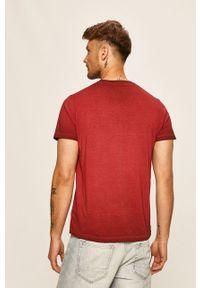 Brązowy t-shirt Pepe Jeans na co dzień, casualowy