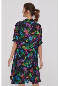 medicine - Medicine - Sukienka Tropical Chaos. Materiał: tkanina. Długość rękawa: krótki rękaw
