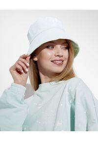 JOANNA MUZYK - Miętowa czapka sztruksowa Love Me. Kolor: zielony. Materiał: sztruks. Styl: sportowy