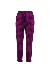 Różowe spodnie sportowe Deha z nadrukiem