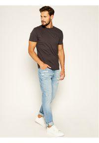 Tommy Jeans T-Shirt DM0DM04413 Szary Regular Fit. Kolor: szary