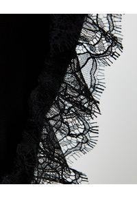 Elisabetta Franchi - ELISABETTA FRANCHI - Czarna koszula z koronką. Kolor: czarny. Materiał: koronka. Długość: długie. Wzór: koronka. Styl: glamour