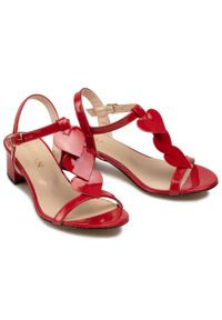 Czerwone sandały sagan