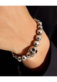 Alexander McQueen - ALEXANDER MCQUEEN - Srebrna bransoletka z czaszką. Materiał: srebrne. Kolor: srebrny