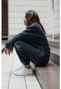 MUUV - Spodnie Smooth Cotton. Stan: podwyższony. Kolor: szary. Materiał: bawełna, dresówka, materiał