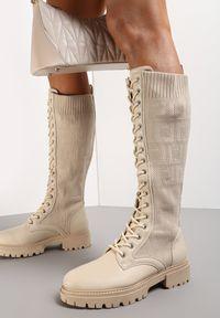 Renee - Beżowe Kozaki Phenitrite. Wysokość cholewki: przed kolano. Nosek buta: okrągły. Zapięcie: sznurówki. Kolor: beżowy. Materiał: materiał, prążkowany. Szerokość cholewki: normalna. Styl: klasyczny